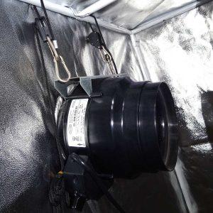 exhaust-fan-hanging-in-grow-tent